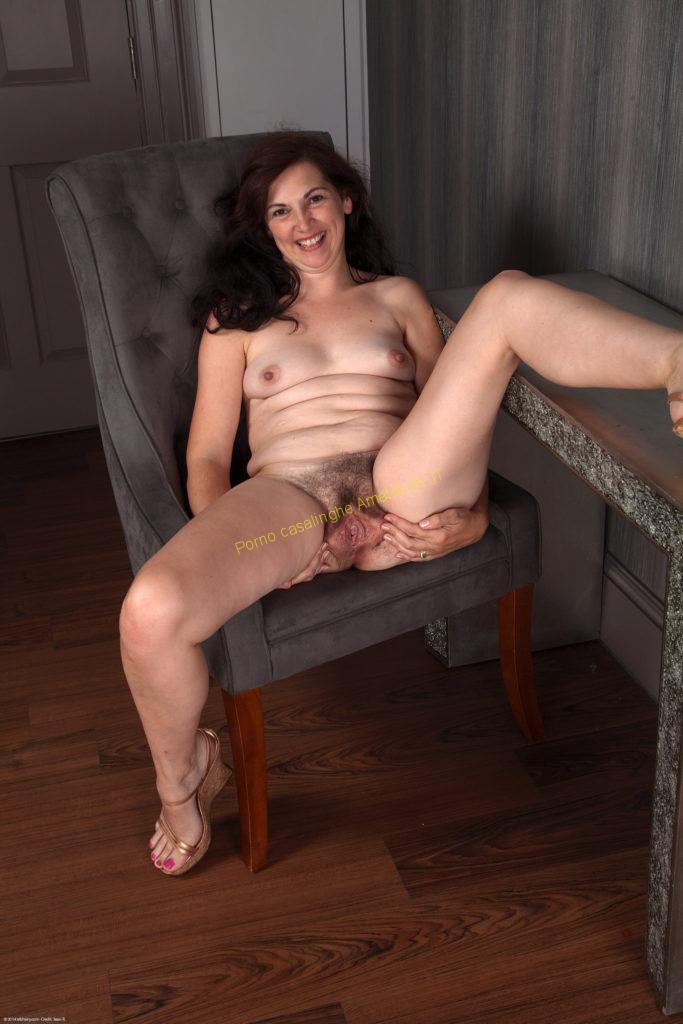 Free ebony milf nude